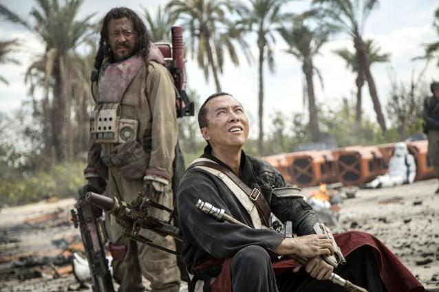 max-cine-chirrut-imwe-y-baze-malbus-en-rogue-one-una-historia-de-star-wars-1